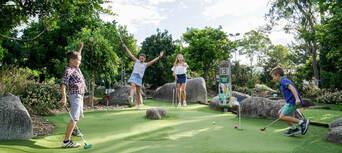 Victoria Park 18 Holes Mini Golf Thumbnail 2