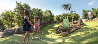 Victoria Park 18 Holes Mini Golf Thumbnail 4