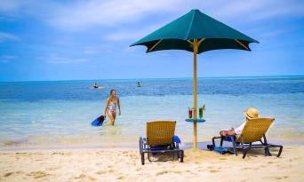 Great Barrier Reef + Green Island 1 Day Tour Combo Thumbnail 5