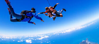 Cairns Tandem Skydive up to 15,000ft Thumbnail 1