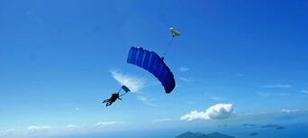 Cairns Tandem Skydive up to 8,500ft Thumbnail 2