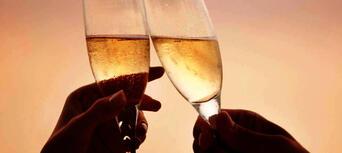 Hervey Bay Champagne Sunset Sailing Cruise Thumbnail 1