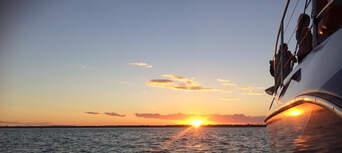 Hervey Bay Champagne Sunset Sailing Cruise Thumbnail 6
