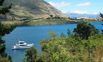 Happy Hour Cruise Lake Wanaka Thumbnail 4