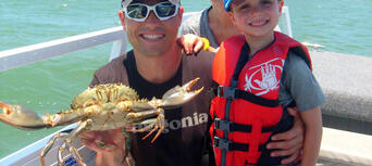 Noosa Fishing and Crab Tours Thumbnail 3