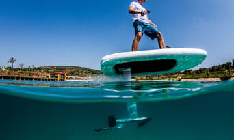 Surfers Paradise Hydrofoil Lessons Thumbnail 5