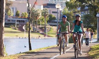 Adelaide City and Parks Bike Tour Thumbnail 3