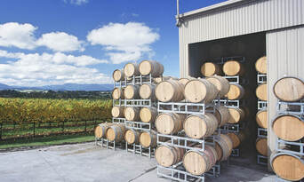 Yarra Valley Private Car Winery Tour with Chocolate Tasting and Lunch Thumbnail 5