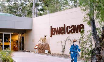 Jewel Cave Guided Tour Thumbnail 6