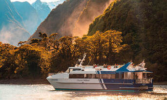 Milford Sound Small Boat Cruise Thumbnail 1