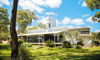 Luxury Carbon Neutral Hunter Valley Wine-Tasting Departing Newcastle Thumbnail 5