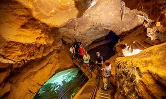 Jenolan Caves Orient Cave Tour Thumbnail 3