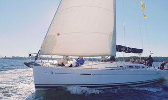 3 Hour Sydney Harbour Sailing Cruise Thumbnail 5