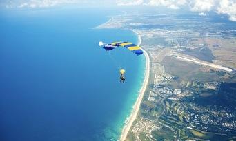 Noosa Tandem Skydive up to 15,000ft Thumbnail 5