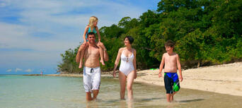 Green Island Full Day Trip + Snorkelling OR Glass Bottom Boat & Island Activities Thumbnail 2