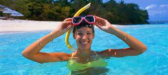 Green Island Full Day Trip + Snorkelling & Glass Bottom Boat Thumbnail 1
