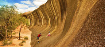 Wave Rock Day Tour from Perth Thumbnail 2