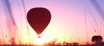 30 Minute Scenic Hot Air Balloon Flight including Sparkling Wine Thumbnail 6