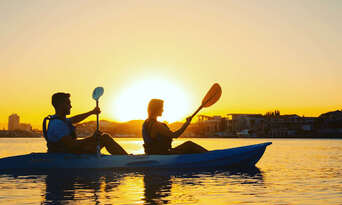 Surfers Paradise Sunset Kayaking Tour Thumbnail 2