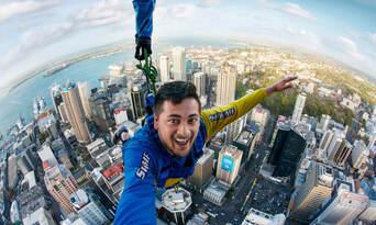 Auckland Sky Tower SkyJump & SkyWalk Combo Thumbnail 4