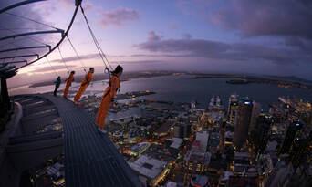 Auckland Sky Tower SkyWalk and SkyJump Combo Thumbnail 2