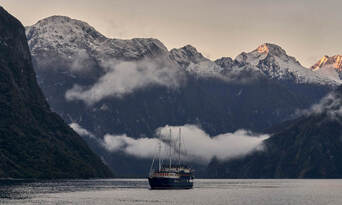 Milford Sound Overnight Cruise Thumbnail 1