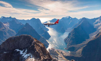 Milford Sound Scenic Flight and Cruise Package from Queenstown Thumbnail 2