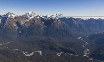 Milford Sound Scenic Flight and Cruise Package from Queenstown Thumbnail 6