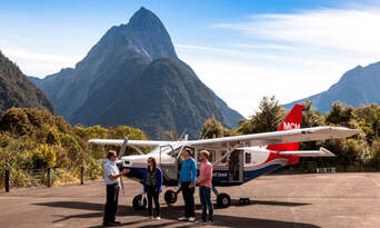 Milford Sound Scenic Flight from Queenstown Thumbnail 2