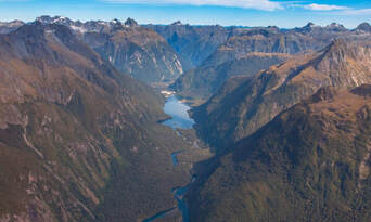Milford Sound Scenic Flight from Queenstown Thumbnail 3