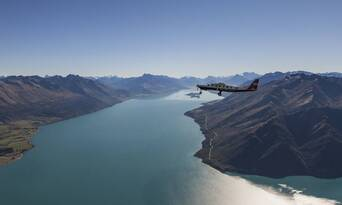 Milford Sound Coach Cruise and Flight Package from Queenstown Thumbnail 2