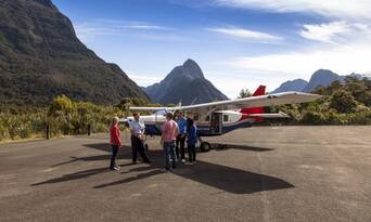 Milford Sound Coach Cruise and Flight Package from Queenstown Thumbnail 3