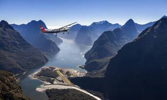 Milford Sound Coach Cruise and Flight Package from Queenstown Thumbnail 4