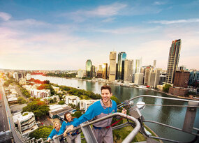 Brisbane Story Bridge Twilight Climb Thumbnail 2