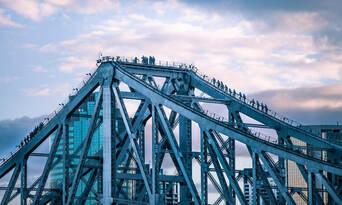 Brisbane Story Bridge Twilight Climb Thumbnail 3