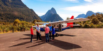 Milford Coach Cruise and Fly Combo from Queenstown Thumbnail 1