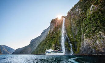 Milford Sound Cruise with Coach and Flight from Queenstown Thumbnail 5