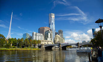 Melbourne City Sights Morning Tour with Yarra River Cruise Thumbnail 1