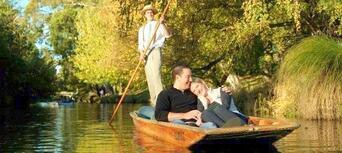 Punting on the Avon River, Christchurch Thumbnail 2