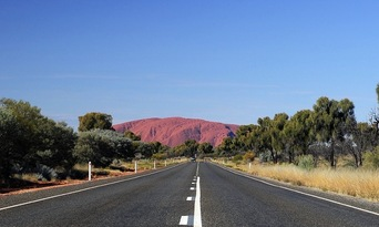 Alice Springs to Ayers Rock Transfer Thumbnail 3