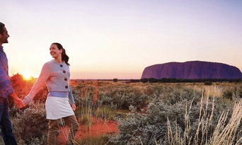 Uluru Sunset Tour from Ayers Rock Resort Thumbnail 4