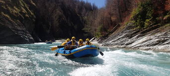 Skippers Canyon Gentle White Water Rafting Thumbnail 1