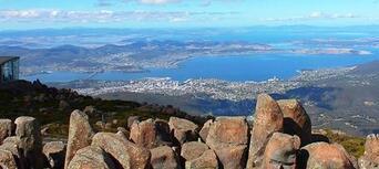 Hobart City Tour with MONA Ferry & Entry Thumbnail 4