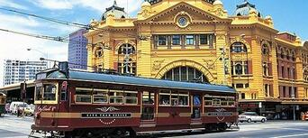 Melbourne Hop on Hop off Bus Tour Thumbnail 5