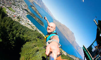 The Ledge Swing in Queenstown Thumbnail 3