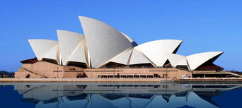 Sydney City Sights and Manly Morning Tour Thumbnail 6