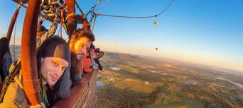 Hunter Valley 1-hour Hot Air Balloon Flight Thumbnail 6