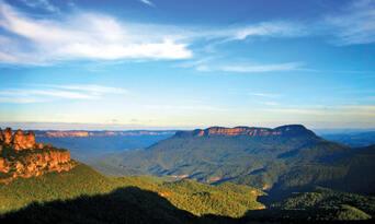 Blue Mountains, Cruise & Wildlife Park Tour from Sydney Thumbnail 1