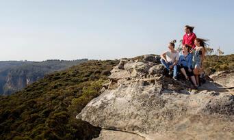 Blue Mountains, Cruise & Wildlife Park Tour from Sydney Thumbnail 6