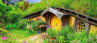 Hobbiton Movie Set and Bay Of Islands Combo Pass Thumbnail 1